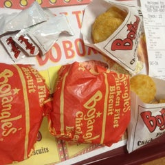 Photo taken at Bojangles' Famous Chicken 'n Biscuits by Kenny J. on 2/14/2012