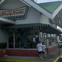Photo taken at Krispy Kreme Doughnuts by Edward M. on 6/1/2012