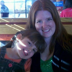 Photo taken at Red Robin Gourmet Burgers by Gabe A. on 3/17/2012