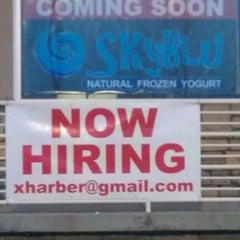 Photo taken at SkyBlu Natural Frozen Yogurt by Justin L. on 11/19/2011