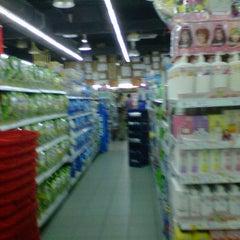 Photo taken at Everrise Departmental Store by Iki Lotfi on 1/26/2012