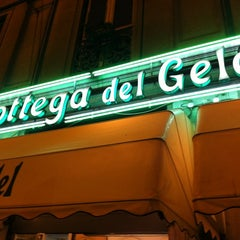 Photo taken at La Bottega del Gelato - Cardelli by Josemari C. on 9/25/2011