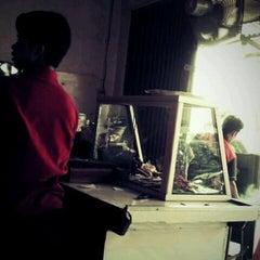 Photo taken at Sate Kambing Kim Tek by suryanto on 5/8/2012