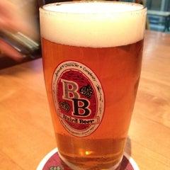 Photo taken at Baird Beer 中目黒タップルーム Nakameguro Taproom by Yuki K. on 4/19/2012