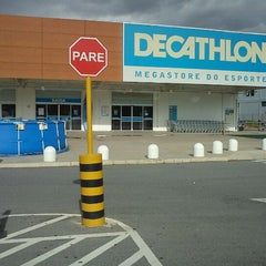 Photo taken at Decathlon by Camila Adriane on 12/31/2011