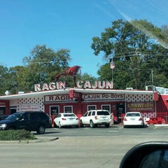 Photo taken at Ragin Cajun by Ashley T. on 1/27/2012