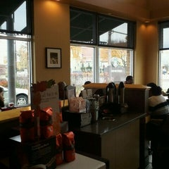 Photo taken at Starbucks by Marcus W. on 11/11/2011