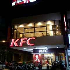 Photo taken at KFC Sg Besi by ronney a. on 12/28/2011
