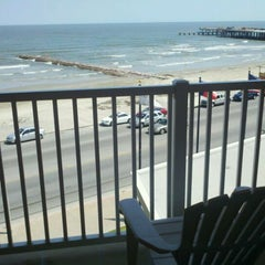 Photo taken at Four Points by Sheraton Galveston by Mark L. on 6/1/2011