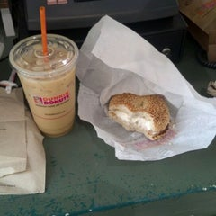Photo taken at Dunkin Donuts by Jerold R. on 10/23/2011