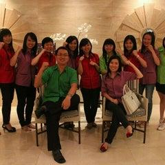 Photo taken at JIAYOU - Modern Chinese Training Centre by Yean J. on 1/11/2012