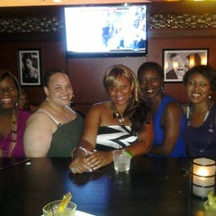 Photo taken at Bar Louie by Elise A. on 6/30/2012