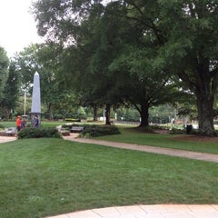 Photo taken at Historic Roswell Town Square by Leslie S. on 6/6/2012