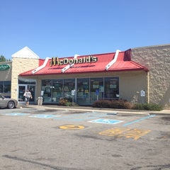 Photo taken at McDonald's by Jamar on 8/30/2012