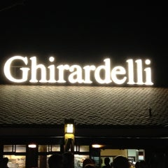 Photo taken at Ghirardelli Soda Fountain & Chocolate Shop by Sarah-Irene on 8/4/2012