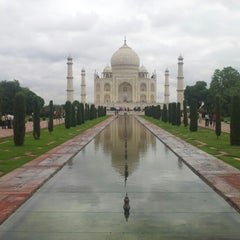 Photo taken at Taj Mahal | ताज महल | تاج محل by Shin-Seong P. on 7/11/2012