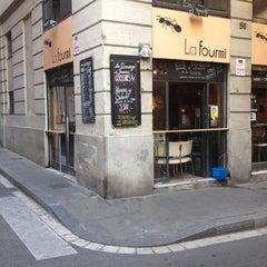Photo taken at La Fourmi by Roser A. on 5/30/2012