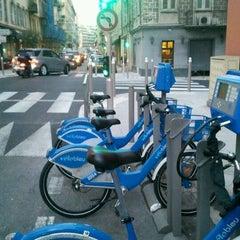 Photo taken at Vélo Bleu (Station No. 28) by Iarla B. on 2/23/2012