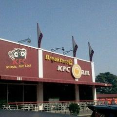 Photo taken at KFC / KFC Coffee by Verdi B. on 6/22/2012