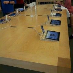 Photo taken at Apple Store, Perth City by cheemum c. on 8/24/2012
