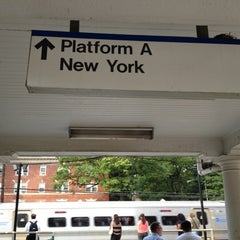 Photo taken at LIRR - Kew Gardens Station by Donfico on 8/14/2012