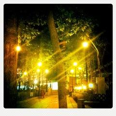 Photo taken at Queen Street Rest Garden 皇后街休憩花園 by Anastasia T. on 9/22/2011