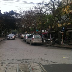 Photo taken at Đỗ Xe B1 Giảng Võ by Mr Lonely on 3/20/2012
