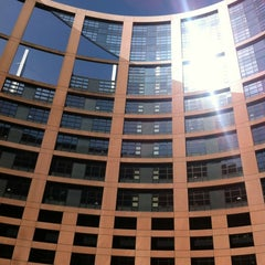 Photo taken at Parlement Européen by HY G. on 5/20/2012