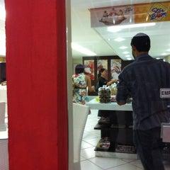Photo taken at Que Gostoso Sorveteria by Douglas F. on 3/25/2012