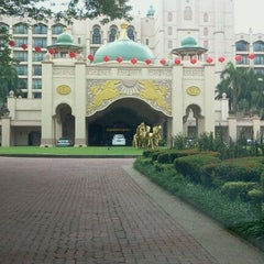 Photo taken at Palace of the Golden Horses by Mis P. on 2/6/2012