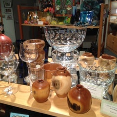 Photo taken at Illinois Artisans by Merideth L. on 1/9/2012