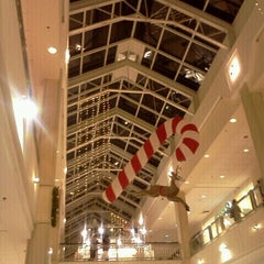 Photo taken at Westfield Sunrise by Wilfred T. on 12/23/2011