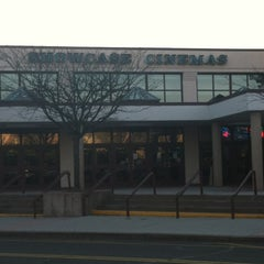 Photo taken at Showcase Bridgeport by Inara C. on 4/6/2012