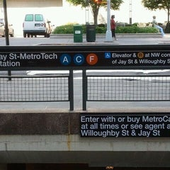 Photo taken at MTA Subway - Jay St/MetroTech (A/C/F/R) by Adrienne on 5/28/2012