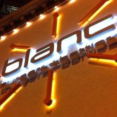 Photo taken at Blanc Burgers + Bottles by Michael B. on 12/31/2011