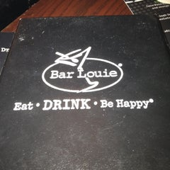 Photo taken at Bar Louie Dearborn Station by Continental on 1/18/2012