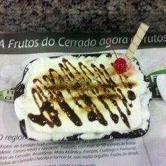 Photo taken at Frutos do Brasil by Fernando R. on 9/1/2011