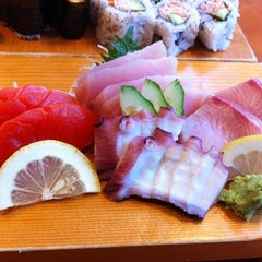 Photo taken at Sushi Itoga by Yim T. on 3/20/2012