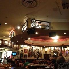 Photo taken at Hard Rock Cafe Niagara Falls USA by Magdalena J. on 7/11/2012