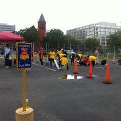Photo taken at Megabus Stop - Washington, DC by Bùi Tiến D. on 9/21/2011
