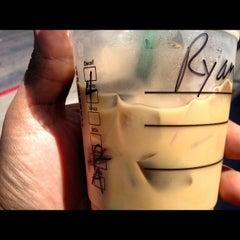 Photo taken at Starbucks by Oscar V. on 8/11/2012