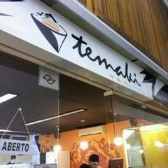 Photo taken at Temaki Fry by Rodrigo P. on 4/14/2012