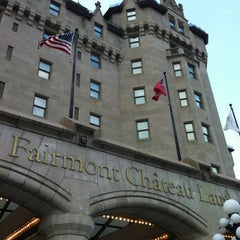 Photo taken at Fairmont Château Laurier by Oli S. on 8/24/2012
