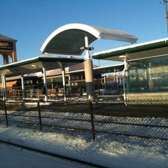 Photo taken at Oakville GO Station by Leo V. on 2/3/2011