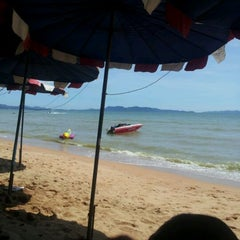 Photo taken at Natural Park Beach Resort by Tku ร. on 9/4/2011