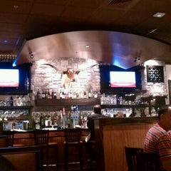 Photo taken at LongHorn Steakhouse by Tracie V. on 12/19/2011