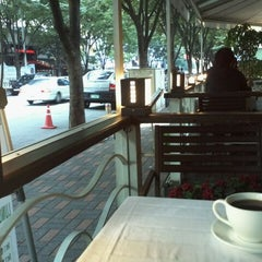 Photo taken at Chic Ami by 정례 최. on 10/8/2011