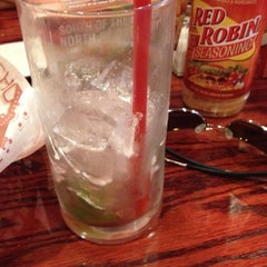 Photo taken at Red Robin Gourmet Burgers by Luis R. on 6/20/2012