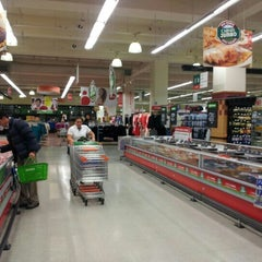 Photo taken at Jumbo by Miguel S. on 8/9/2012