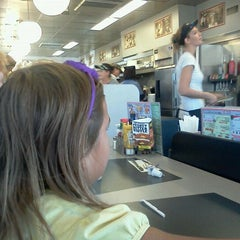 Photo taken at Waffle House by Patricio B. on 9/25/2011